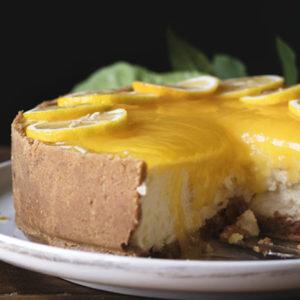 Tarta fría de limón con leche condensada y galletas